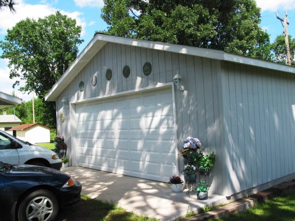 Painted T1-11 Siding Garage